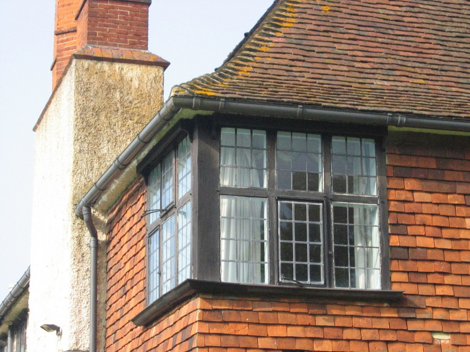 Corner window by Lutyens at Berrydown Court contrasts the solidity of the corner in a successful way
